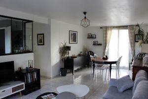 Double séjour de 27,31 m² exposé Est/Ouest